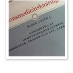 Närbild på studiematerial i Funktionsmedicin.