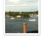 Utsikt över Skeppsholmen, båtar och fjärden vid Slussen.