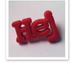 """Ordet """"Hej"""" i rött, en symbol för organisationen Friends."""
