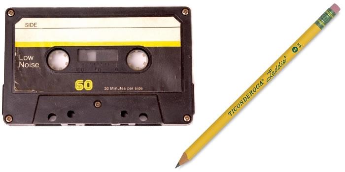 Ett kassettband + en blyertspenna.